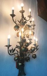 Light fixture at the Oak Grill restaurant